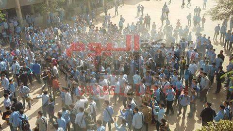 اعتقال 20 طالب من مدرسة جمال عبد الناصر.