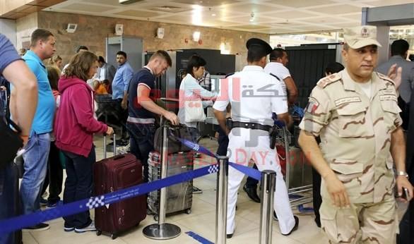 سبوتنك: إجراءات تأمين مطار القاهرة غير مسبوقة.. ودراسة عودة حركة الطيران مع روسيا