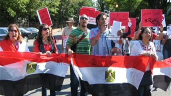 200 دولار ضريبة تشعل ثورة المصريين بالخارج