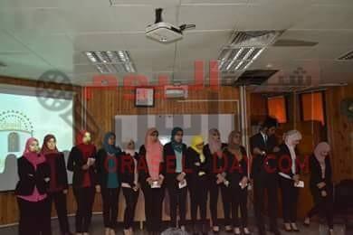 كرمت المؤسسة المصرية النوبية للتنمية فريق نوب إركي طلاب كلية الأعلام بجامعة القاهرة