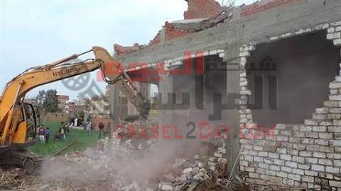 حملة ازالة للمباني والعقارات المخالفة باسوان