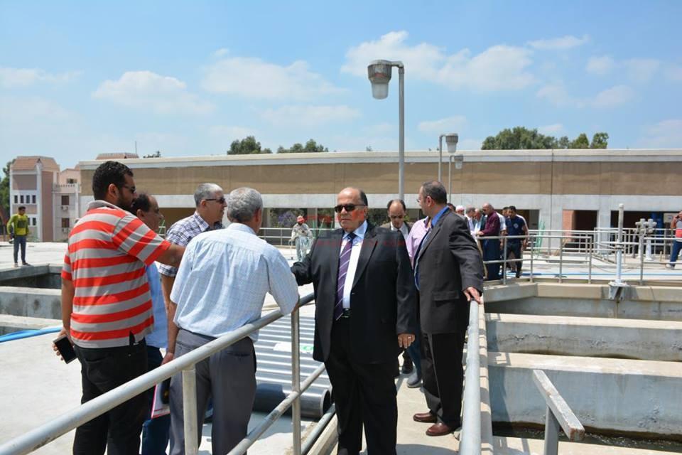 محافظ الدقهلية في زيارة لمحطة مياه الشرب بميت خميس يرافقه رئيس هيئة مياه الشرب