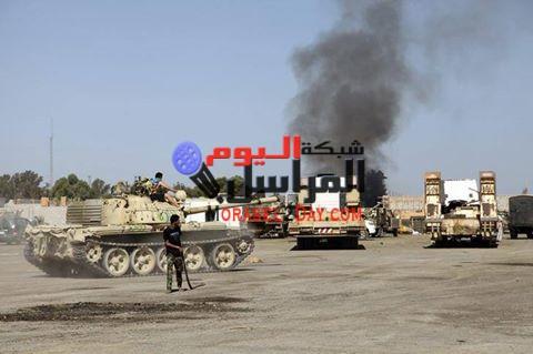 عاجل مصرع وإصابة ضابط جيش اثناء المطاردة مع المهربين بمركز الفرافرة بالوادى الجديد .