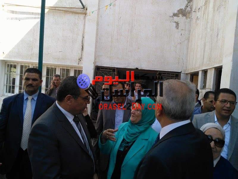 بالصور محافظ الفيوم يزور المرضي والأيتام وقوات الأمن لتهنئتهم بعيد الأضحى المبارك