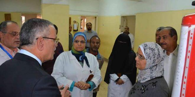 محافظ المنيا يتفقد مستشفي مصر الحرة ويوجه بإعادة فتح مصنع الأدوية كمعمل تعبئة