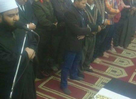 محافظ الفيوم يؤدي صلاة الجنازة ويتقدم مشيعي شهيد الواجب الوطني بالعريش