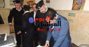 مدير أمن الإسكندرية الجديد يتفقد قسم باب شرق