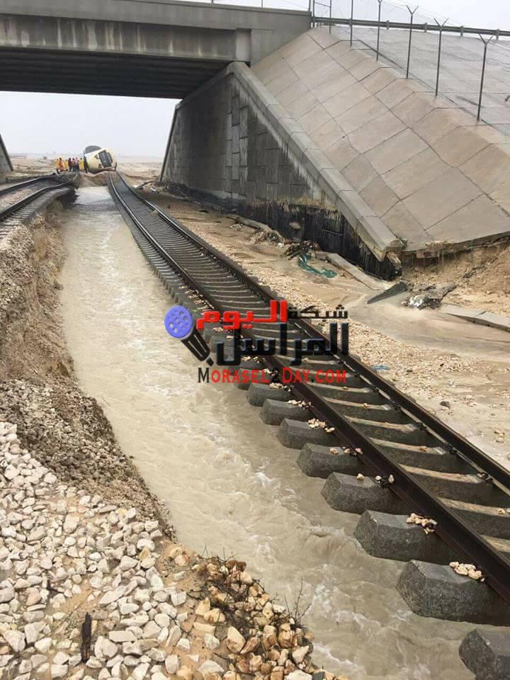 إصابة 18 شخصا فى حادث قطار بالسعودية بسبب السيول