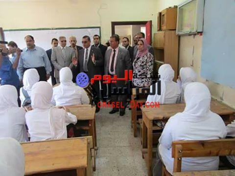 منع 15 معلما من التوقيع لتأخرهم عن طابور الصباح بالفيوم