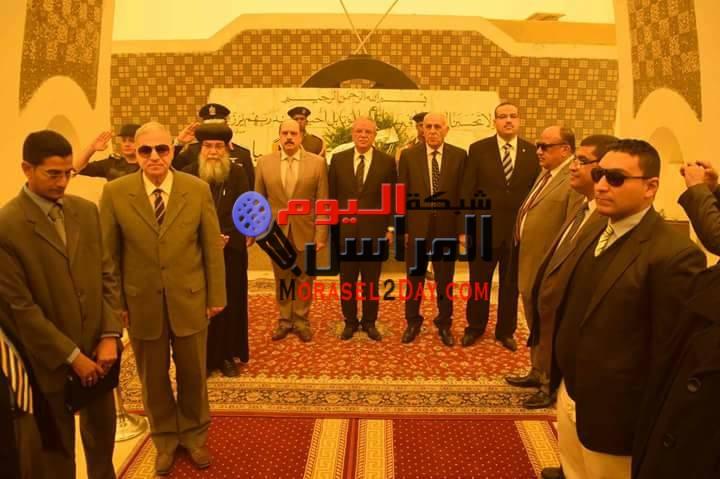بالصور المنيا تحتفل باليوم الوطني 18 مارس محافظ المنيا يضع إكليل من الزهور على النصب التذكاري للشهداء ويستعرض طابور العرض