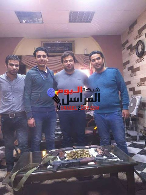 ضربة امنية قاسية جديدة لمباحث اشمون عبد المعبود يتمكن من القبض على هارب من الاعدام وبحوزته بندقية الى وذخيرة.