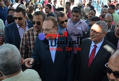 محافظ بني سويف يشارك المواطنين فى احتفالات شم النسيم ويتفقد مستشفى بني سويف العام