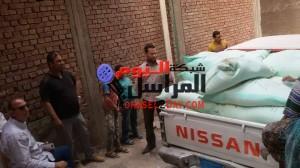 بالصور.. ضبط 5 طن دقيق مدعم داخل منزل تاجر ببنى سويف