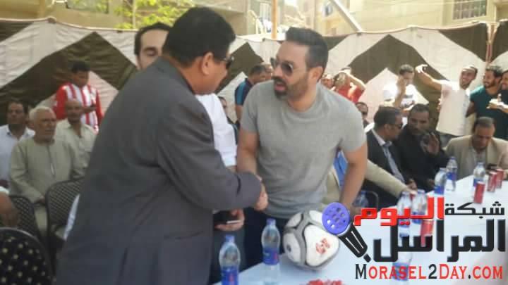 """اللاعب """"حازم امام"""" يشارك فى إفتتاح ملعب مركز تلات بالفيوم"""