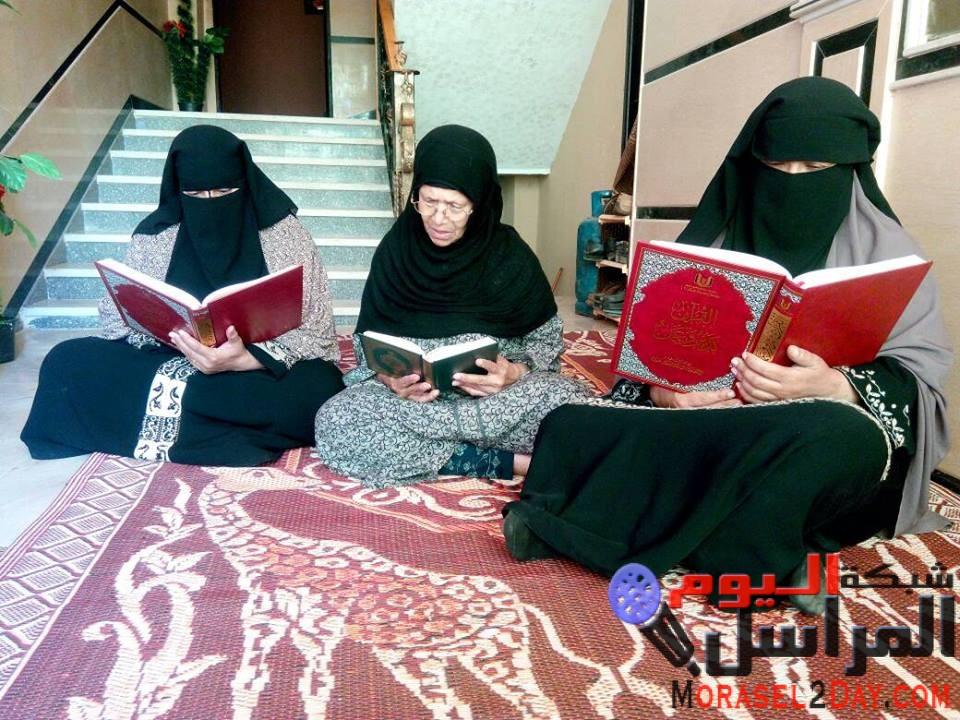 تمور السكري ومصاحف حلقات العلم من الشيخ بن عبود العمودي تطال المئات بمصر
