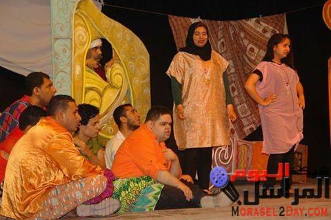 """عميرة يشهد ختام العرض المسرحى"""" برلمان الستات"""" لفرقة الفلاحين"""