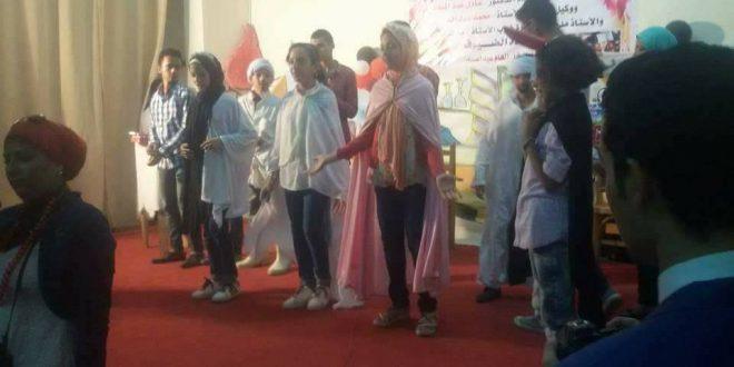 عروض مسرحية لادارة الموهوبين والمبدعين لطلاب مدارس التجارة بنات بحضور محافظ الفيوم