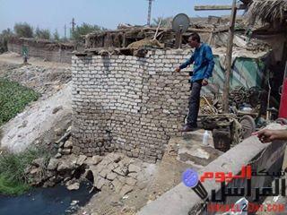 بالصور قرية بهبشين شمال بنى سويف تحاصرها المشاكل القمامه ماركه مسجله ومياه الشرب ملوثه