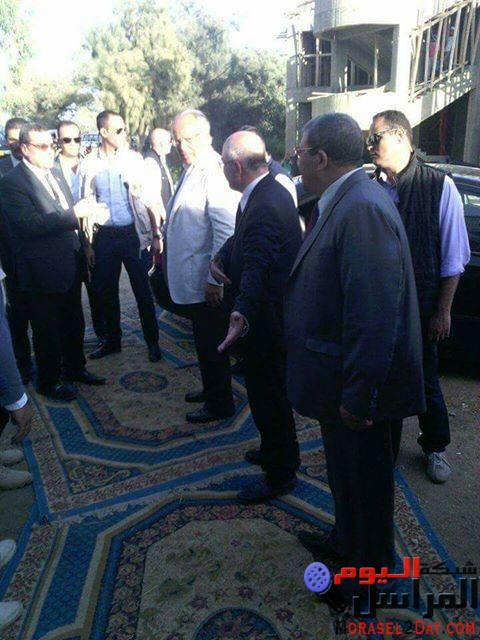 محافظ الفيوم ووزير التنمية المحلية يفتتحان ويضعان حجر أساس المدرسة المصرية اليابانية بمركز سنورس