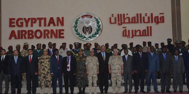 القوات المسلحة تحتفل بتخرج الدورة المكثفة للقوات الخاصة لكوادر من (20) دولة إفريقية شقيقة …