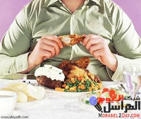 خطورة تناول الطعام بسرعة دون مضغ !!