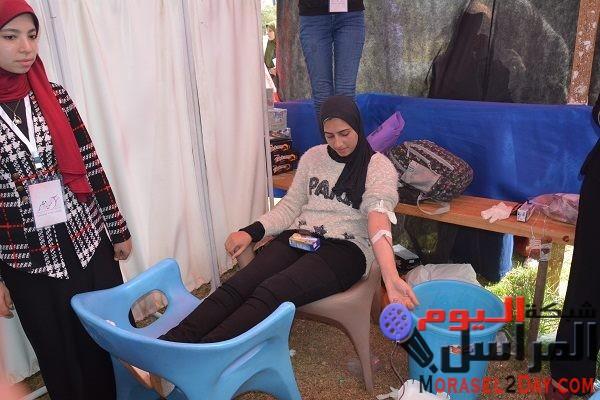 طلاب جامعة الفيوم يتبرعون بالدم لصالح المستشفى الجامعي