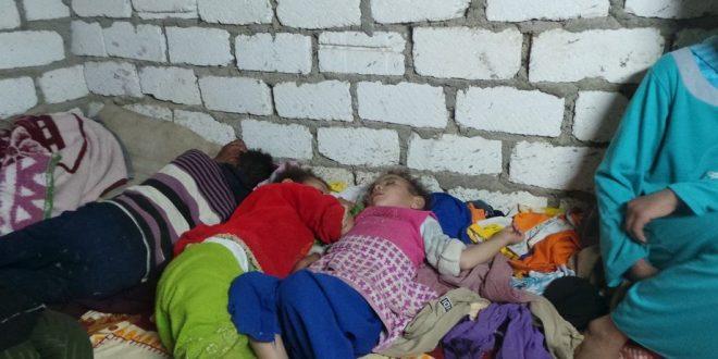 بالصور.. مأساة أسرة بالفيوم.. الزوج مريض والأولاد تركوا المدارس