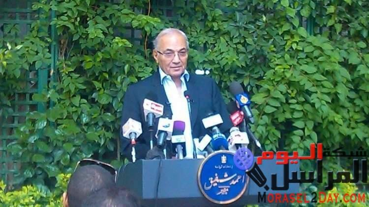 أحمد شفيق يثير الجدل بعد إعلانه أن دولة الامارات تمنعه من السفر الي القاهرة