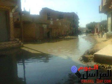 """بالصور…الصرف الصحى يغرق شوارع """"فرقص """""""
