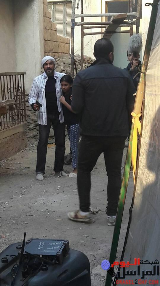 """بالصور .. محمد رجب يقدم الطفلة سارة سعدون لأول مرة في """" بيكيا """""""