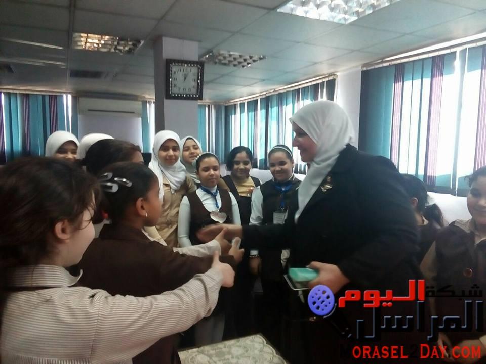 """برلمان مدرسة محمود كعيب """"شكرا يا ماما عزيزة علشان وفيتي بوعدك"""