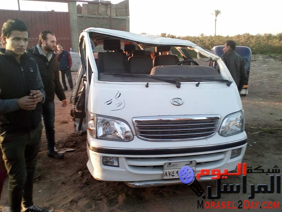 إصابة 9اشخاص إثر حادث تصادم بين سيارتين أجره بطريق قليوب_شبين القناطر، تم نقل المصابين إلى المستشفى وتولت النيابة التحقيق.
