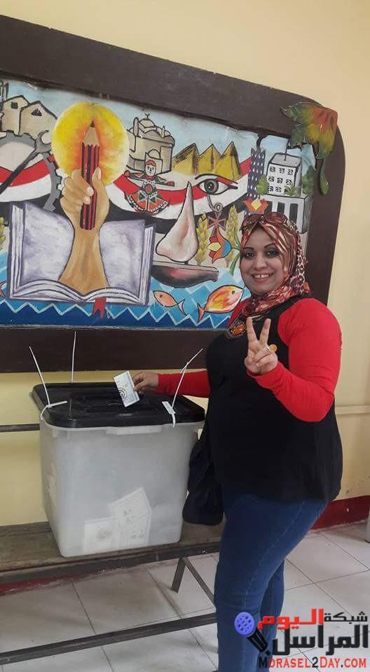 بالصور الإعلامية نور السبكي تدلي بصوتها الإنتخابي في ثالث أيام الإنتخابات الرئاسية