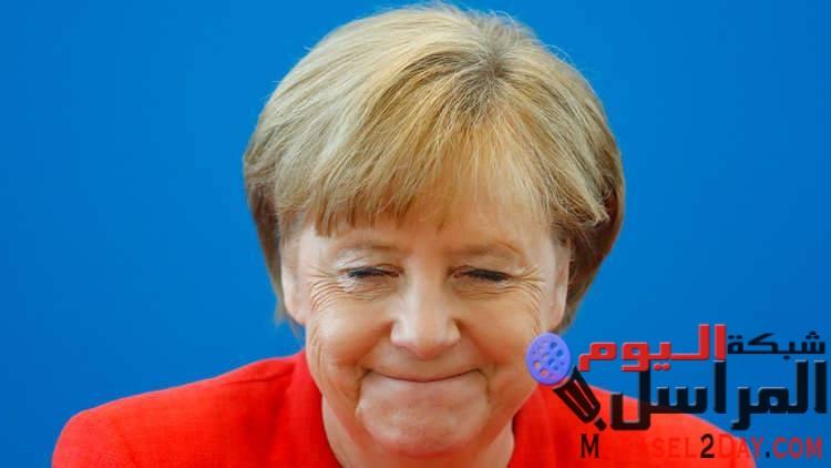 نصف ألمانيا ضد المهاجرين ميركل تدافع عن حقها الدستوري ووزير داخليتها يحاسبها عليه