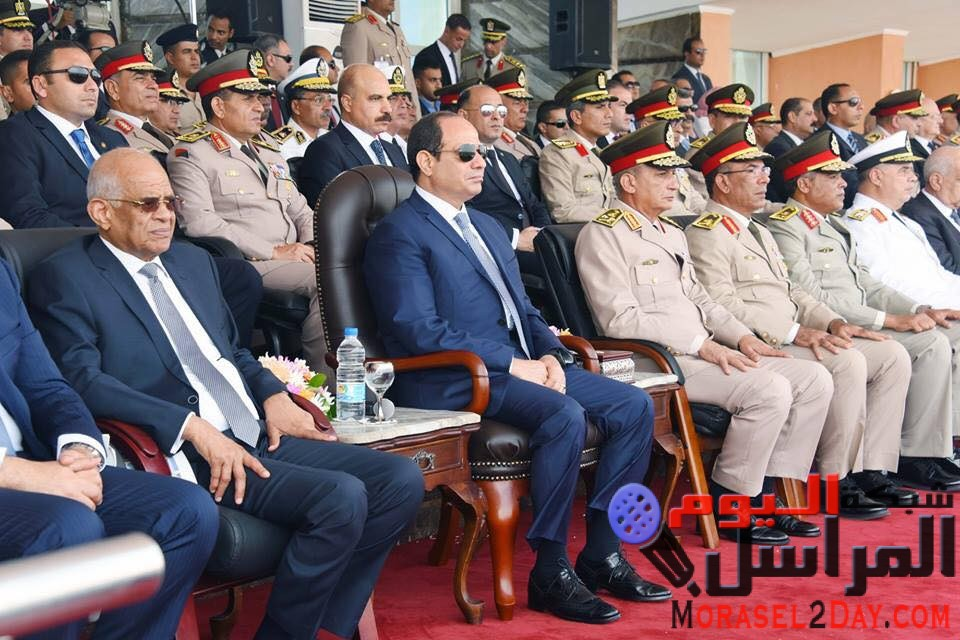 الرئيس / عبدالفتاح السيسى يشهد الإحتفال بتخريج الدفعة 156متطوعين من معهد ضباط الصف المعلمين بالقوات المسلحة
