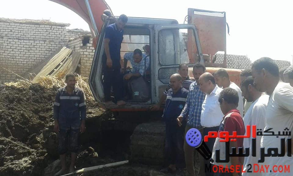رئيس مياه الفيوم من موقع كسر خط المياة الرئيسي بطامية  تشغيل محطة طامية خلال ساعات بعد الإنتهاء من أعمال الإصلاح
