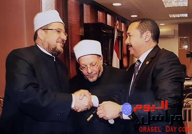 بالمستندات..النويشى ينهى تجديد مسجد العمرى بالميمون ببنى سويف على شركة النور للمقاولات