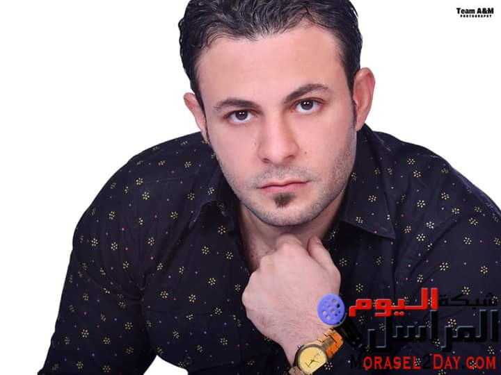 بالصور.. أحمد العمدة يظهر بعده لوكات مختلفه في أحدث اطلاله.