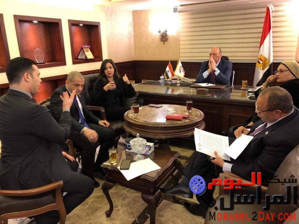 """رئيس """"مصر الثورة"""" يتبنى مبادرة السيسي """"حياة كريمة"""""""