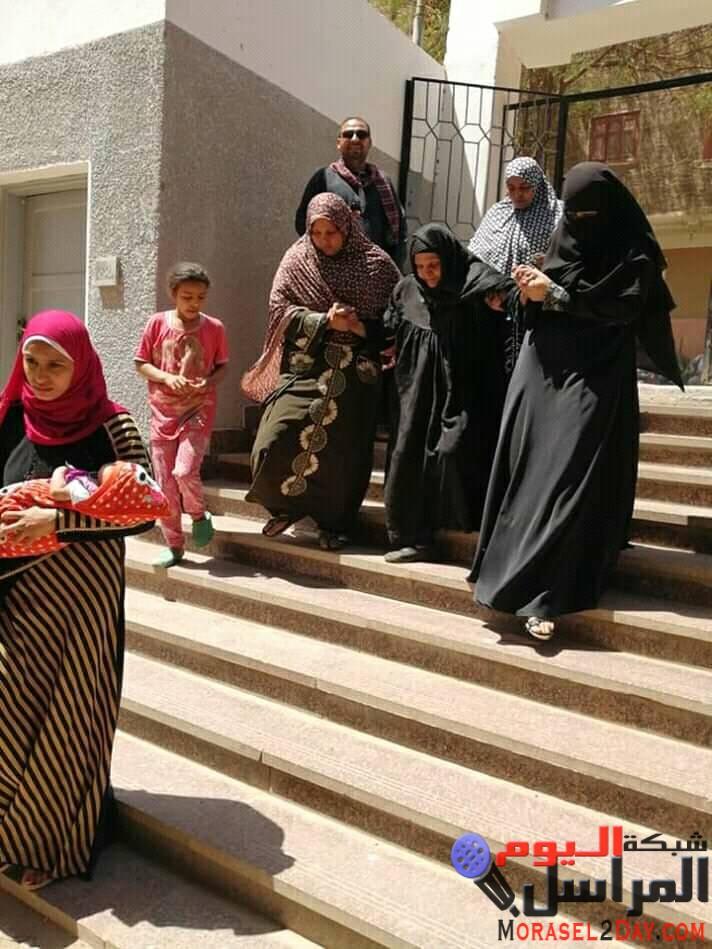 لليوم الثالث قرية مشطا طما سوهاج اقبال كثيف الي لجان التعديلات الدستورية
