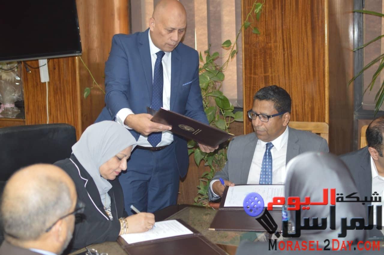 «المصرية لنقل الكهرباء»: توقع عقدين لتركيب أجهزة الاتصالات بمحطتى 6 أكتوبر والعاشر من رمضان