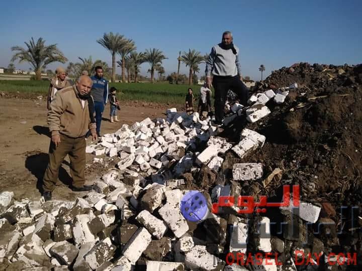 استمرار إزالة التعديات على الأراضى الزراعية بمحافظة الفيوم