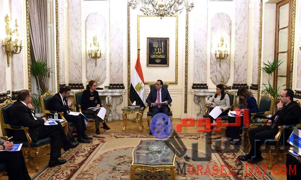 رئيس الوزراء يلتقي وفد البنك الدولي المعنى بتقرير تيسير أداء الأعمال
