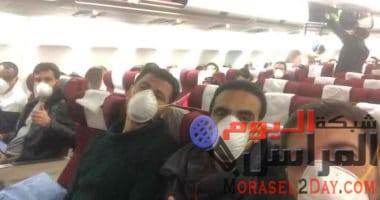 مطار العلمين يستقبل الطائرة المصرية العائدة من مدينة ووهان والتى تحمل أكثر من 300 شخص من المصريين العائدين من الصين .