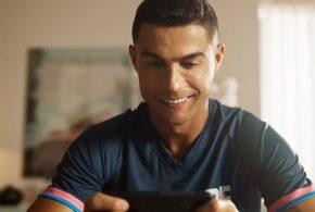 في مفاجأة سعيدة لعشاقها: أسطورة كرة القدم كريستيانو رونالدو ضمن شخصيات فري فاير