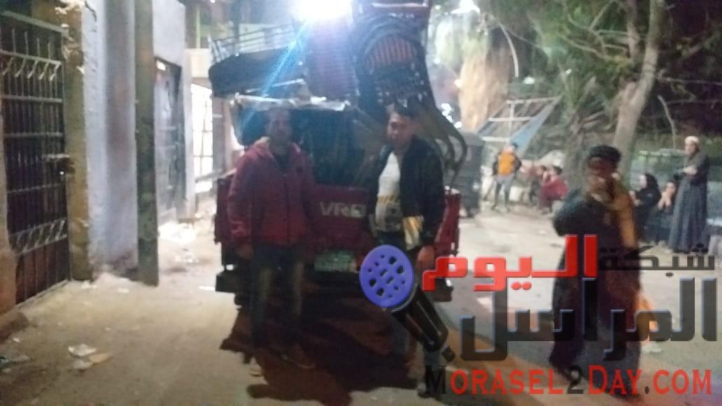 بالصور..مدير إشغالات بشتيل يقود حملة لإزالة الإشغالات: لا تهاون في المخالفات