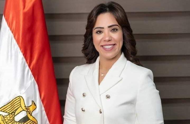 برلمانية: تعقيباً على مداخلة الرئيس السيسى مع عمرو أديب: يتابع كل كبيرة وصغيرة وإنجازات ملموسة