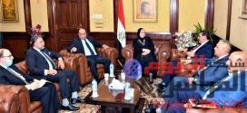 وزيرة التجارة والصناعة تبحث مع وفد اتحاد الصناعات العراقية تعزيز الشراكة الصناعية بين البلدين