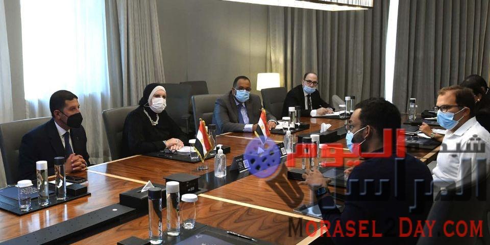 فى ختام زيارتها لدبى  جامع: الحكومة المصرية تساند خطط التوسع فى إنشاء محطات الطاقة الشمسية وزيادة الاعتماد على مصادر الطاقة الجديدة والمتجددة