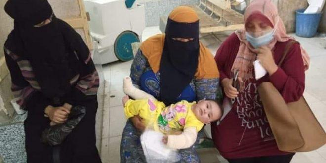 صرف مساعدة شهرية لرضيعة إعتدى عليها والدها بالضرب في كفر الشيخ